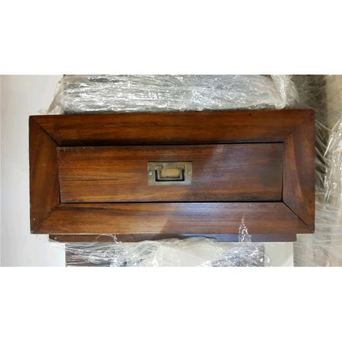 Comodino in legno massello di acacia lavorato a mano - Comodini ...