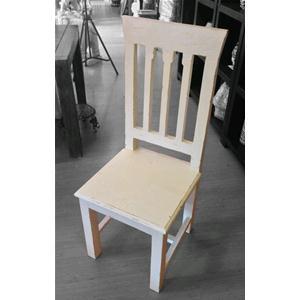 Sedia in legno massello di acacia con schienale alto dipinta ...